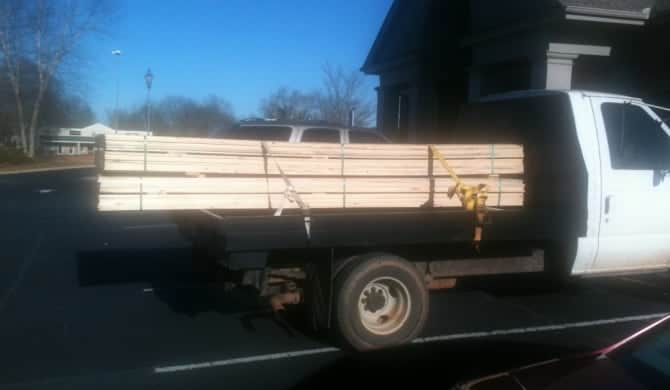 Wood Nuc box vs. Wax Cardboard Box – Growing Nucs